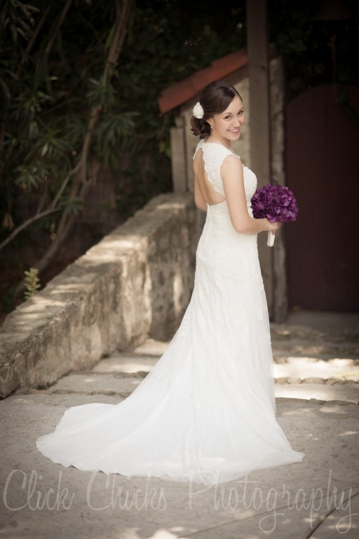 Gorgeous bride.